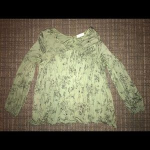 Altar'd State Tops - green flowy top w floral design from altar'd state